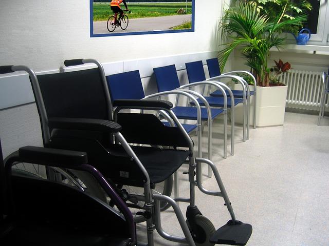 Wózek inwalidzki - sprzęt medyczny