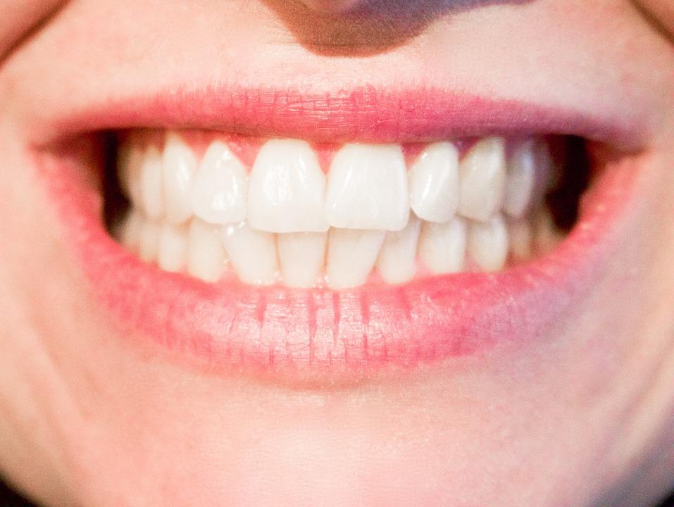 zęby po leczeniu kanałowym